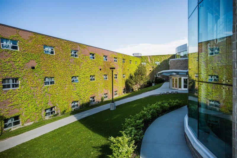 دانشگاه مموریال نیوفاندلند کانادا