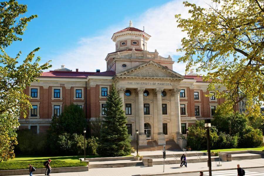 کمپ های دانشگاه مانیتوبا کانادا