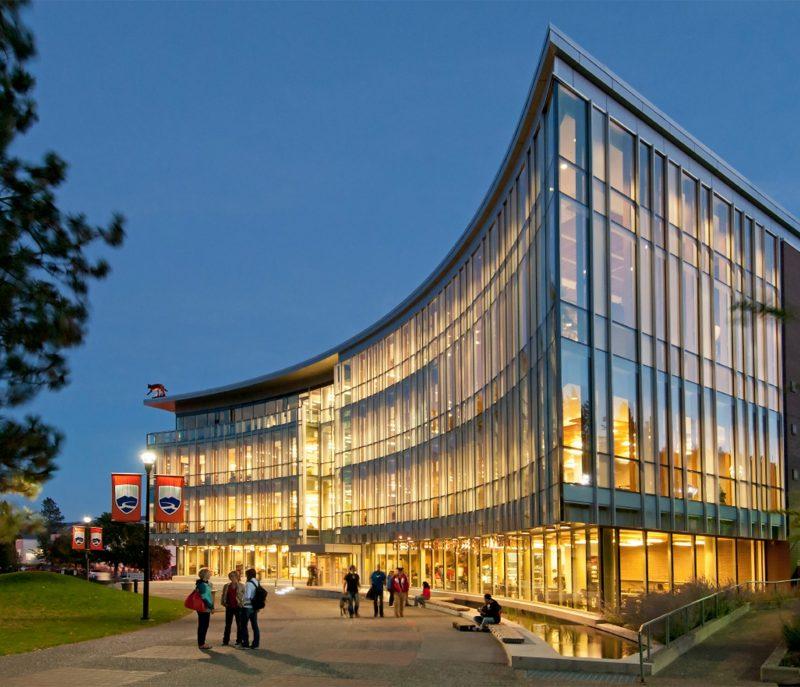 دانشگاه تامسون ریورز کانادا کانادا
