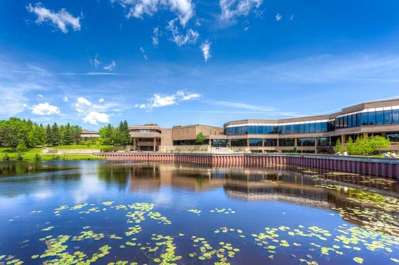 دانشگاه لیک هد کانادا