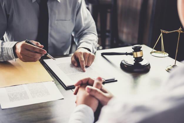 مزایای بهترین وکیل مهاجرت ایرانی در تورنتو