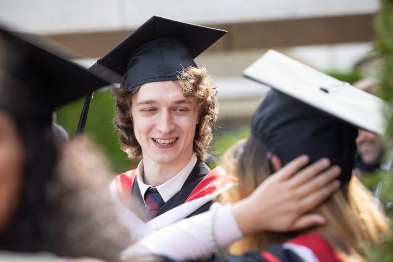 شرایط سنی تحصیل در مقطع کارشناسی کانادا
