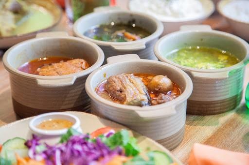 رستوران ایرانی گیلانه گریل هاس در ونکوور