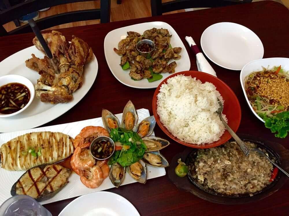 رستوران Lan's Asian Grill