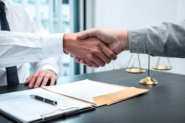مزایای داشتن وکیل مهاجرت به کانادا