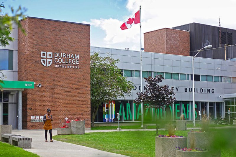 دانشگاه های اوشاوا کانادا