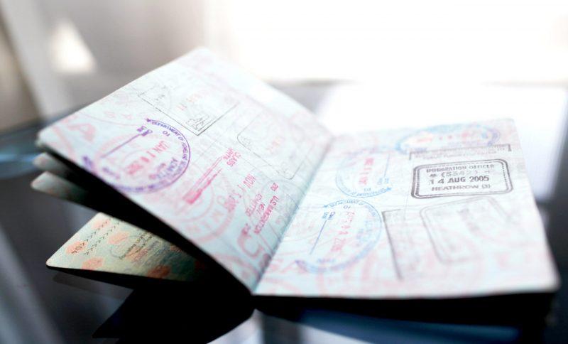آیا تبدیل ویزای توریستی کانادا به ویزای تحصیلی از داخل کانادا آسان است