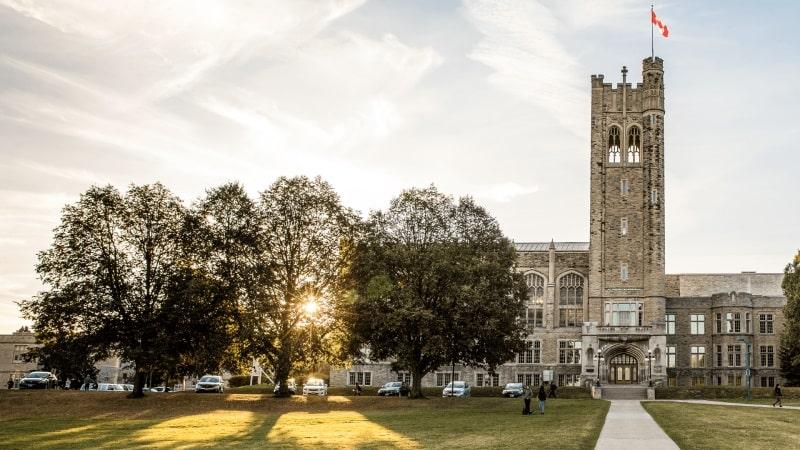۱۰ دانشگاه برتر کانادا در سال ۲۰۲۱