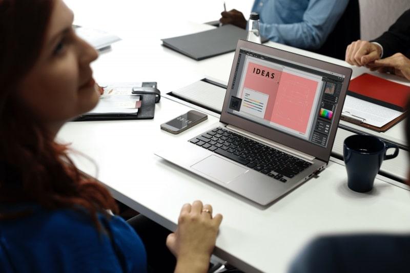 مجوزهای لازم برای کار به عنوان طراح و توسعه دهنده وب در کانادا
