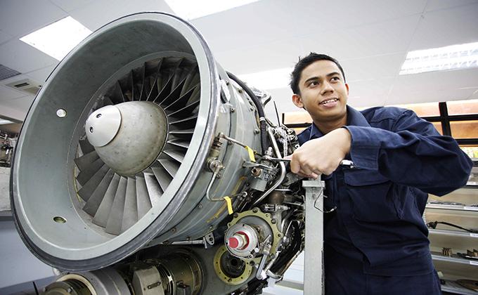 اپلای رشته مهندسی هوافضا