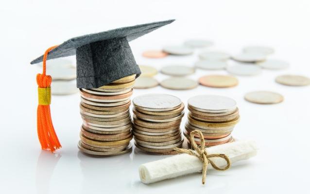بورسیه و کمک هزینه های تحصیلی در بیزینس اسکول آیوی