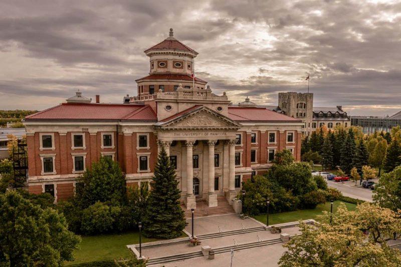 دانشگاه منیتوبا کانادا
