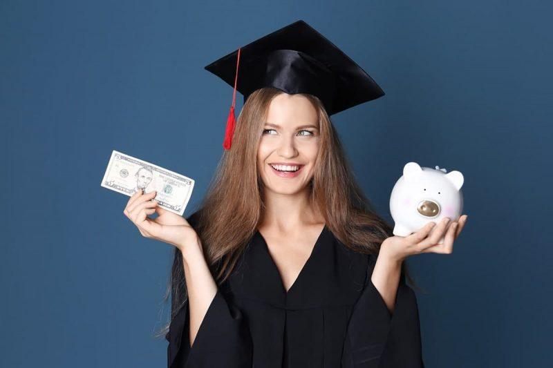 افرادی واجد شرایط پرداخت شهریه و کمک هزینه دانشجویی در کانادا