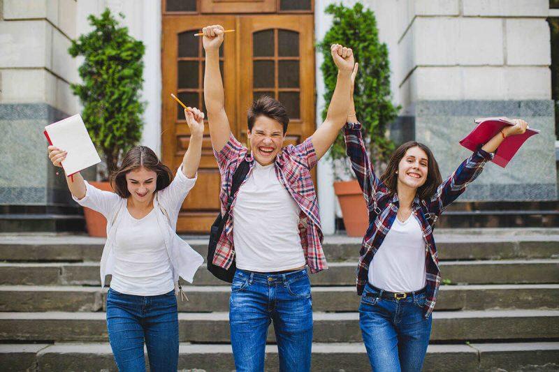تحصیل در اتریش یا کانادا