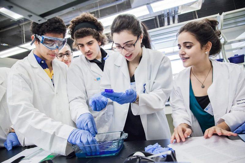شهریه و مدت زمان دوره های آموزشی رشته زیست شناسی در کانادا
