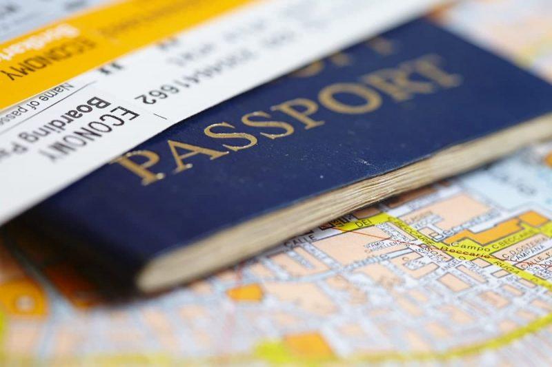 شرایط اخذ ویزای کانادا برای خواهر یا برادر