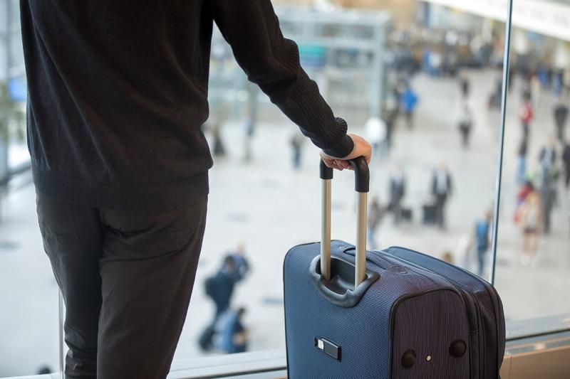 لوازم ضروری برای سفر به کانادا که باید در کیف دستی خود قرار دهید