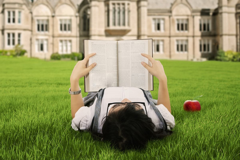 ادامه تحصیل رشته فلسفه در خارج از کشور