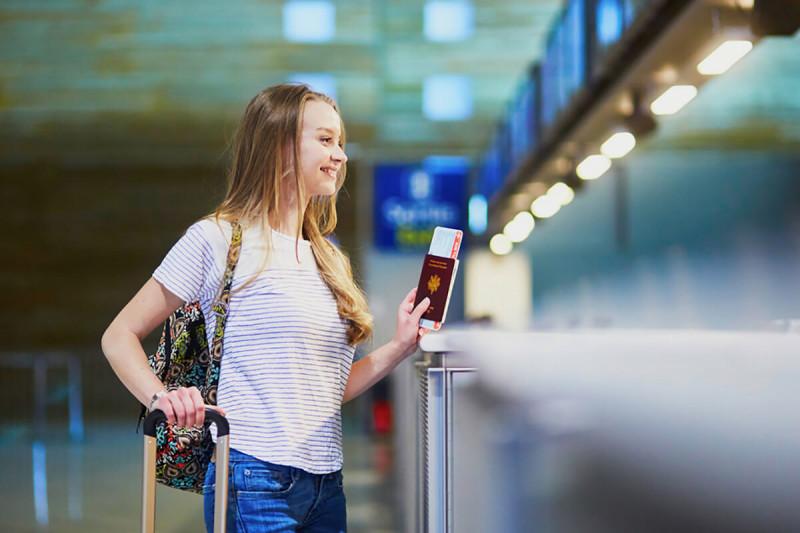 مدارک مورد نیاز ویزای توریستی کانادا برای دانش آموزان زیر 18 سال