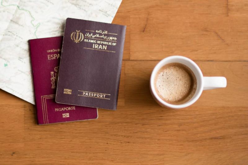 چگونه پاسپورت ایرانی در کانادا را تمدید کنیم
