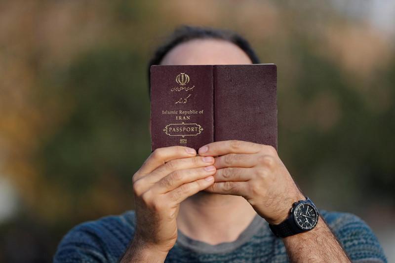 مدارک لازم تفکیک پاسپورت ایرانی در کانادا