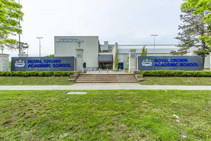 دبیرستان Royal Crown تورنتو
