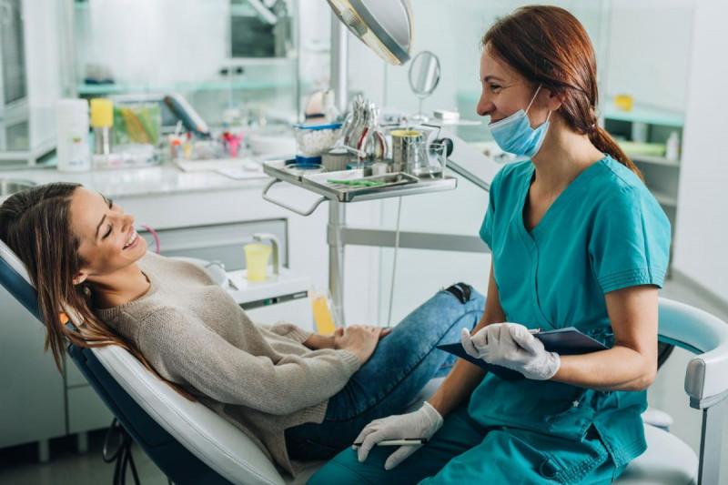 یافتن موقعیت های شغلی برای دستیار دندانپزشک در کانادا
