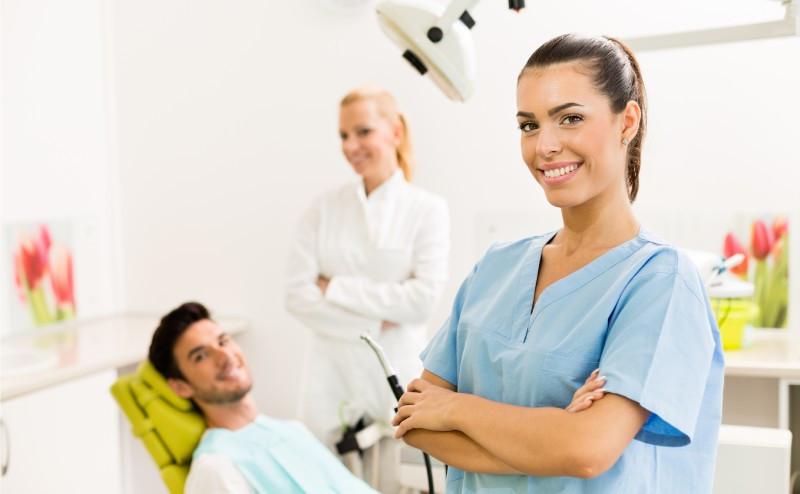دستیار دندانپزشک در کانادا